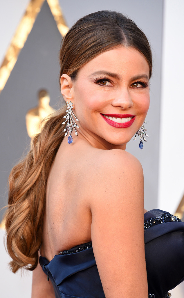 rs_634x1024-160228173817-634.Sofia-Vergara-Oscars-2016-Best-Beauty