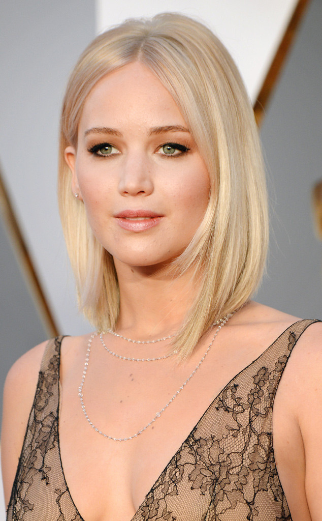 rs_634x1024-160228175228-634.Jennifer-Lawrence-best-Beauty-Oscars-2016